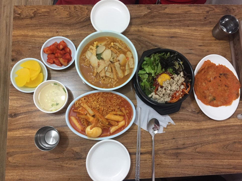 Bunsik Korean Fast Food Venues In Jeonju S Traditional Markets
